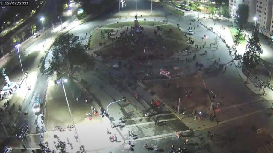 En alza la violencia policial en Plaza Dignidad: atropellos, lanzamiento de gases al cuerpo,  represión y  enfrentamientos.