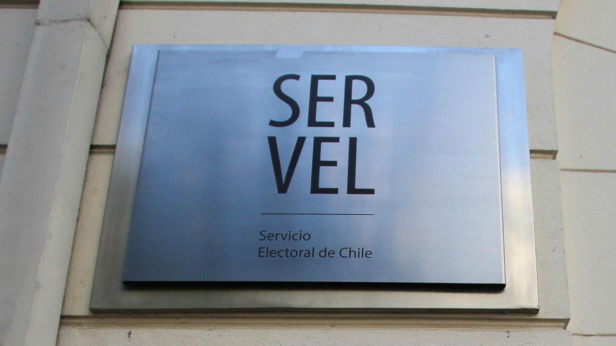 Vergonzoso: SERVEL autoriza dineros fiscales a partidos políticos 7.400 veces más que a independientes para campañas electorales