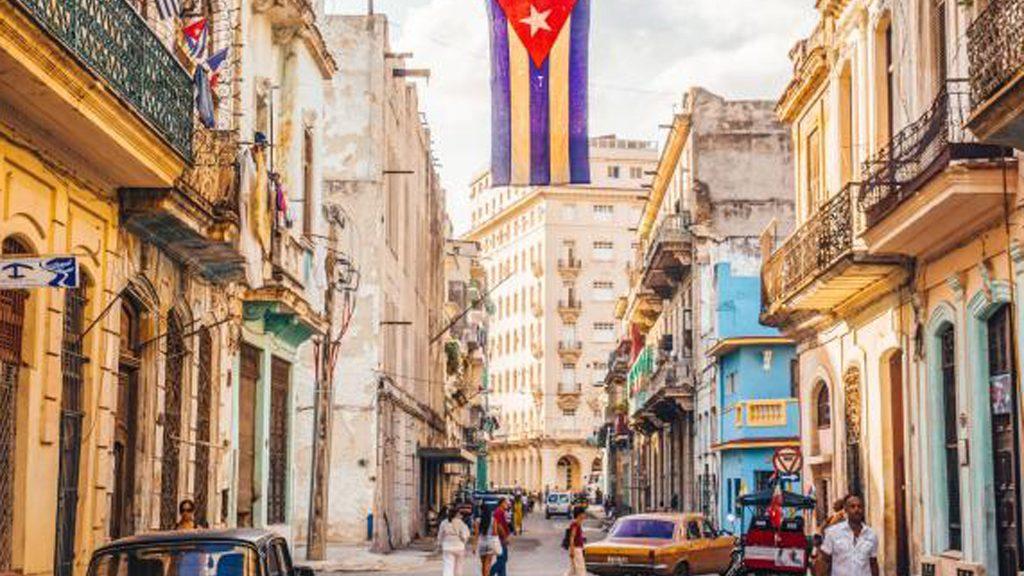 Cuba reporta 715 nuevos casos de COVID-19, tres fallecidos y 609 altas médicas