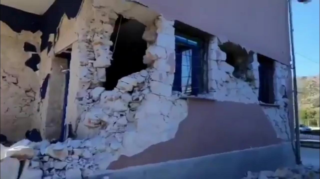 Fuerte réplica de magnitud 6.2 Mw a 10 km de profundidad se registró a 35 km  en Grecia.