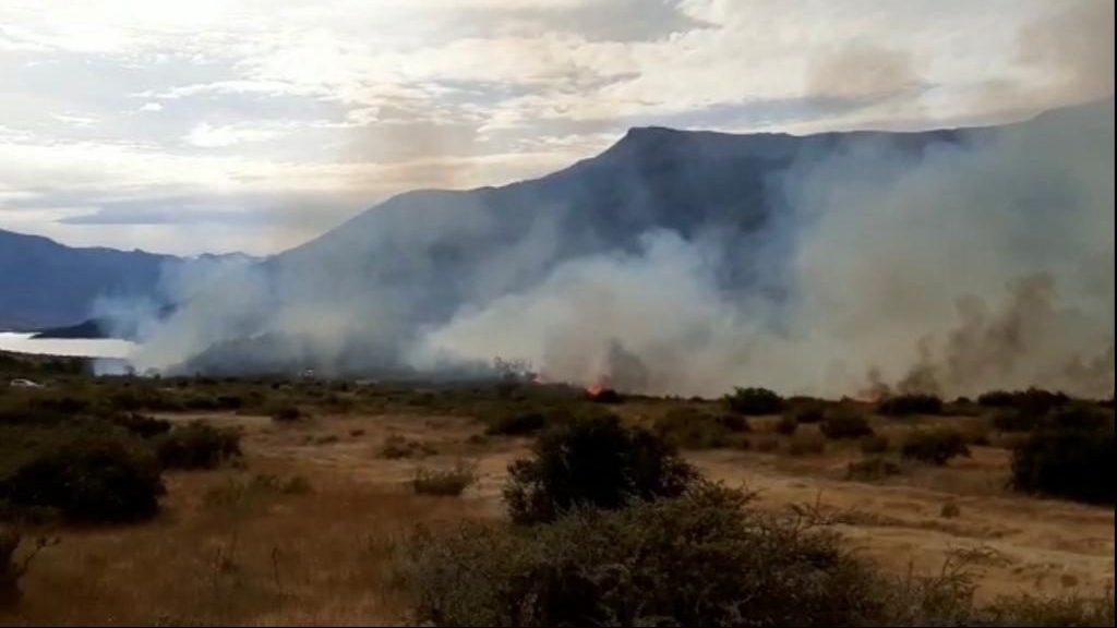 Alerta Amarilla en Comuna de Natales por Incendio Forestal cerca de Cueva del Milodón