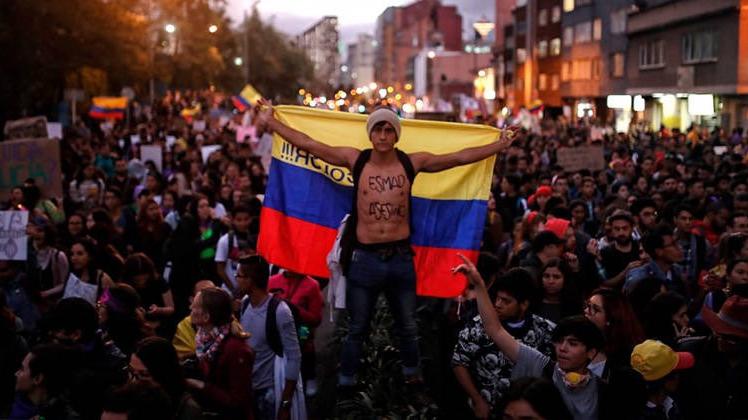 Reforma tributaria vuelca a Colombia a las calles