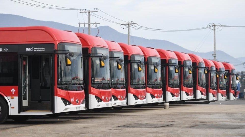 Usuarios reportan escasa dotación de transporte público en diversas ciudades, durante segunda jornada de elecciones
