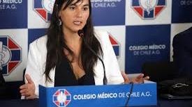 """Consejo Nacional del Colegio Médico de Chile decide retirarse de Mesa Social Covid-19 por """"decisiones imprudentes"""" durante pandemia"""