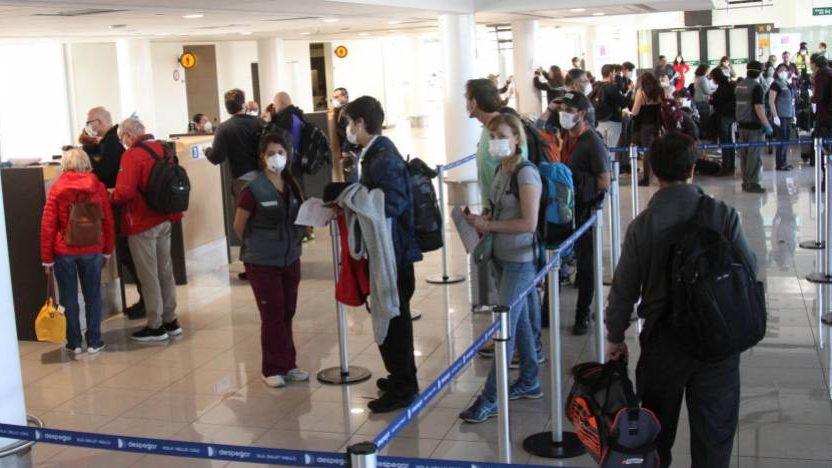 32 mil personas ingresaron a Chile desde Brasil en verano, pese a conocerse la variante amazónica de Covid-19