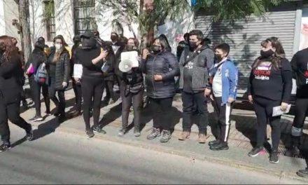 Fabiola Campillay llega a 14 Comisaría de San Bernardo a pedir cárcel preventiva, ante la solicitud de libertad de Patricio Maturana este miércoles 28 de julio.