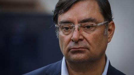 Contraloría abre sumario contra exintendente Felipe Guevara por eventual conflicto de interés en adjudicación de millonario contrato a su hermano