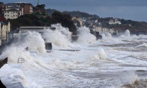 Expertos proponen revisar planos reguladores frente al aumento de marejadas por cambio climático